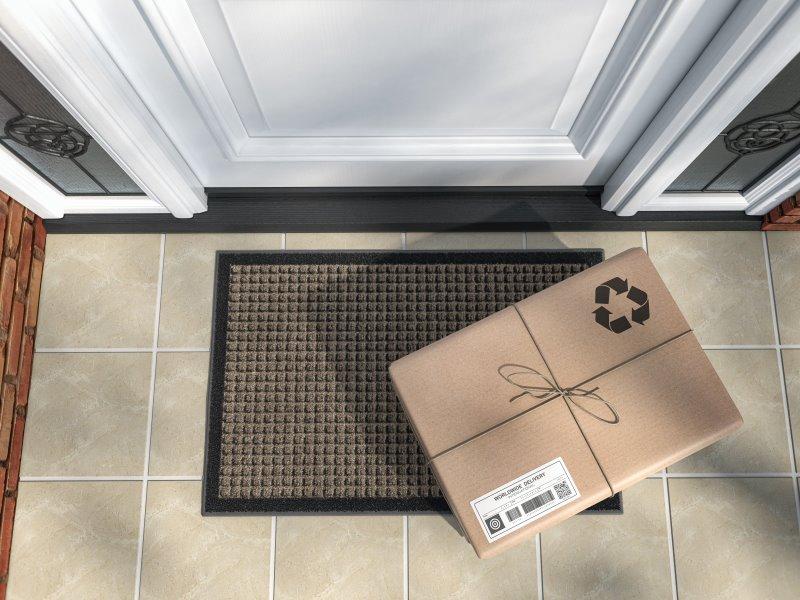 Paket, das vor der Tür abgelegt wurde
