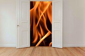 Der Rauchmelder entdeckt Feuer