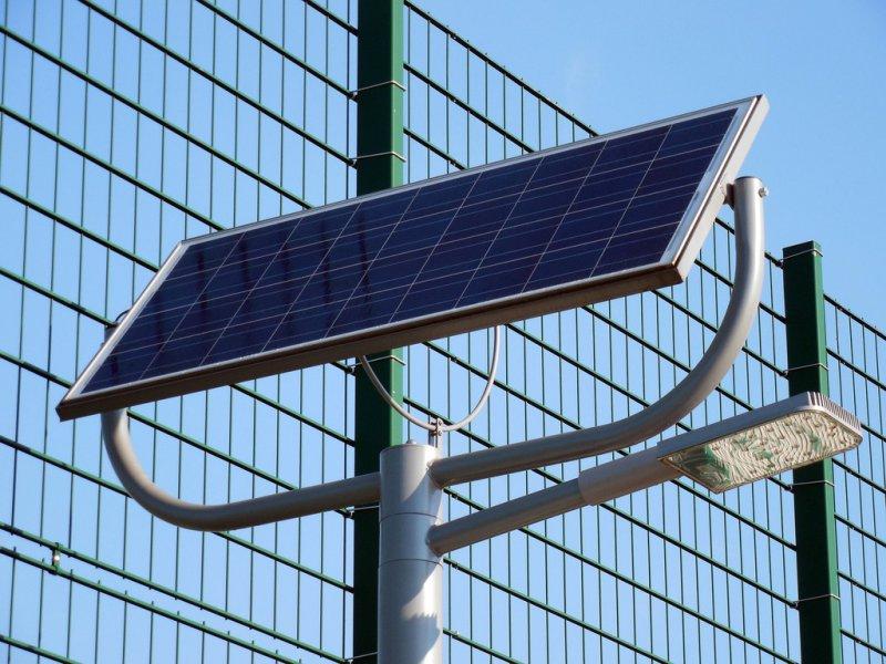 Dusche die durch Solarenergie betrieben wird