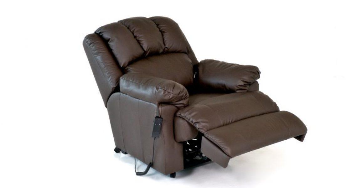 Relaxsessel mit elektrisch verstellbarer Rückenlehne und Fußstütze.